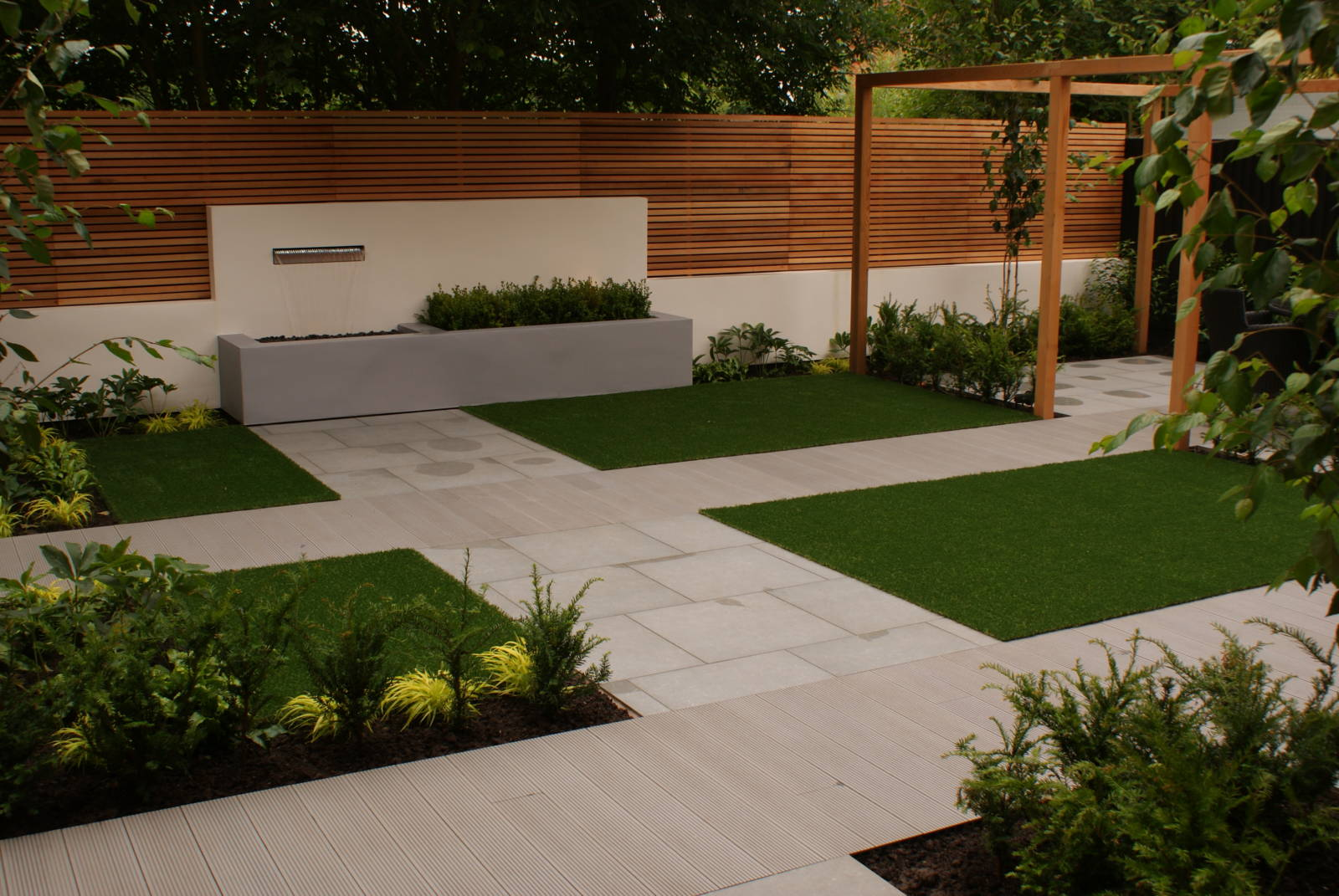 Contemporary Minimal Garden Design - Didsbury, Greater ...